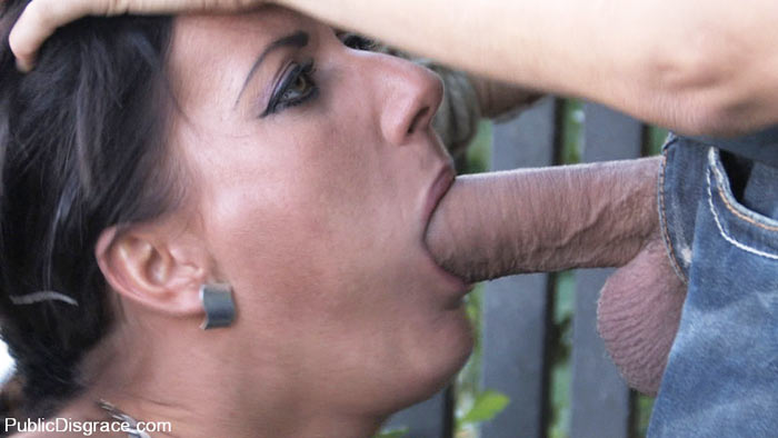 Girl force to give blowjob